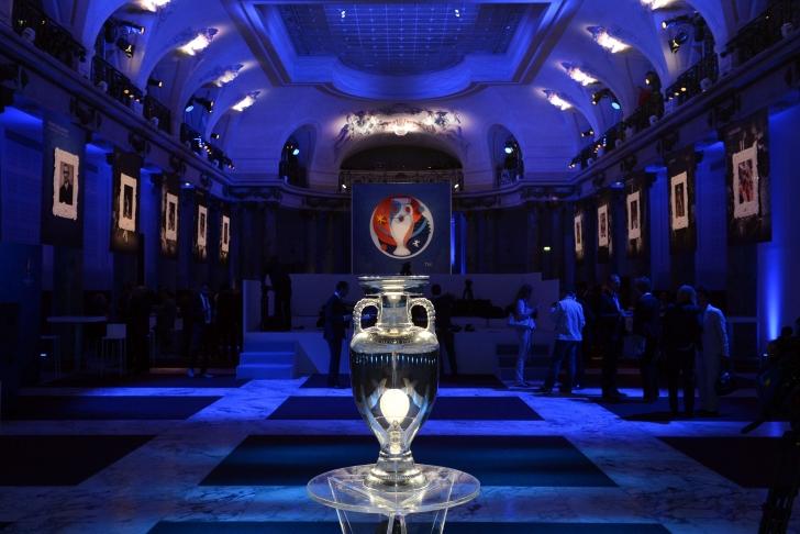 """UEFA: """"19 țări candidează pentru găzduirea Euro 2020"""""""