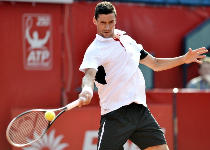 Roland Garros: Hănescu pierde în 4 seturi