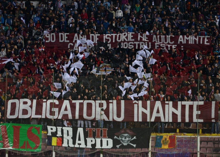Zamfir a cedat gratuit pachetul majoritar de acţiuni al FC Rapid către un grup de patru suporteri