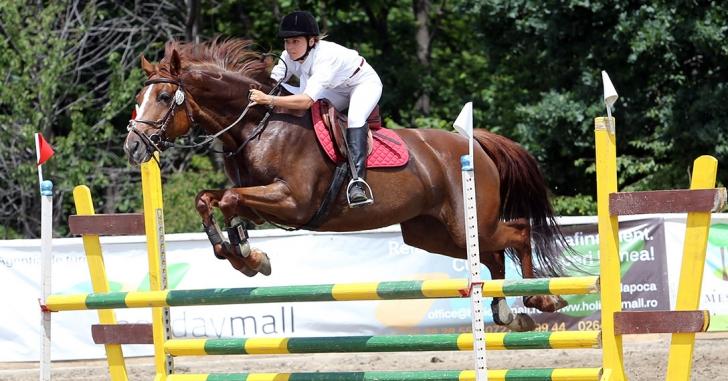 Salonul Calului găzduiește singurul concurs internațional de sărituri peste obstacole al anului din România
