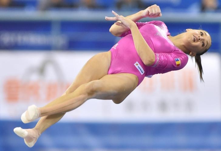 Larisa Iordache, argint la sol la Campionatele Mondiale