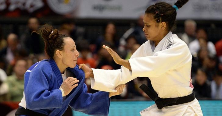 European Open: Patru medalii în prima zi