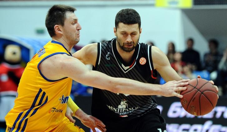 Steaua CSM EximBank l-a transferat pe Aleksandar Rasic