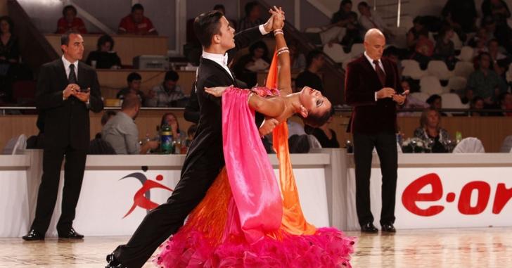 Dansatorii sportivi români au strălucit pe meridianele lumii