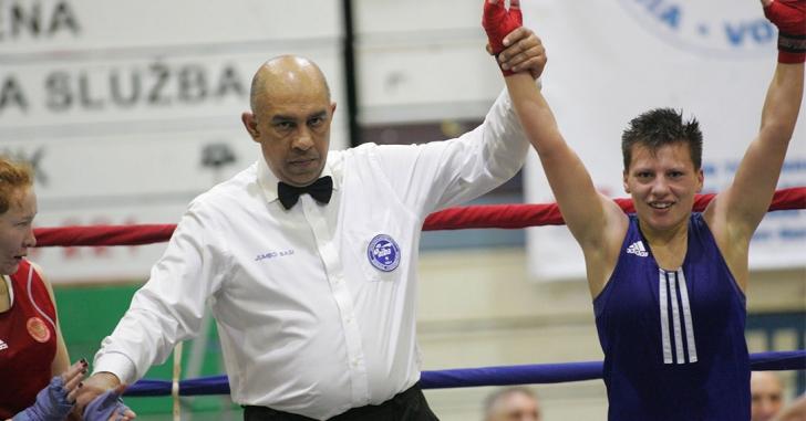 O victorie și o înfrângere la Campionatele Mondiale de box feminin