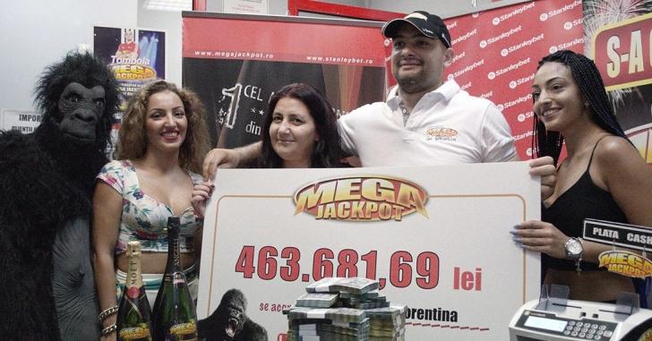 O femeie a câștigat Megajackpot-ul de peste 100.000 euro la aparate