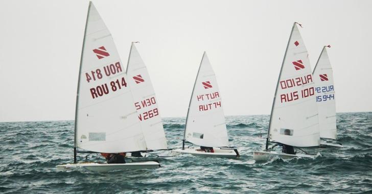 Începe sezonul competițional de yachting