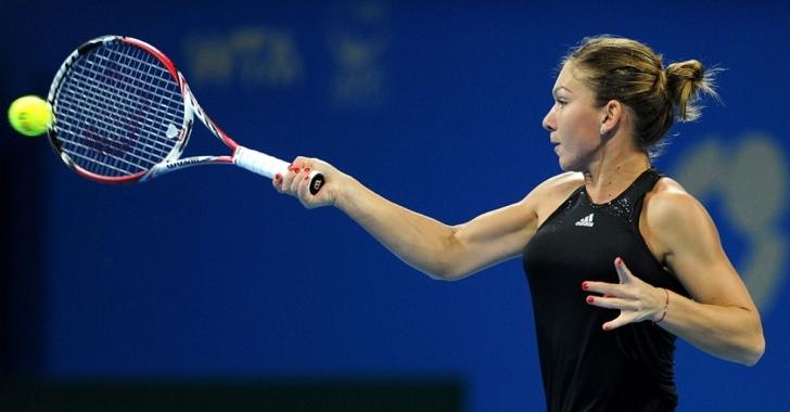 WTA Beijing: Halep o învinge pe Sharapova şi se califică în sferturi