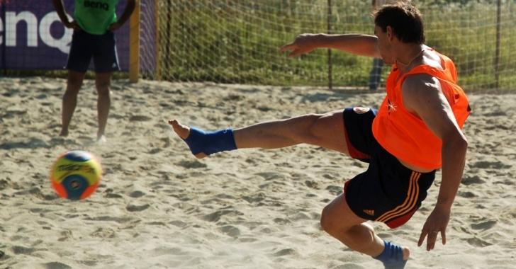 Naționala de fotbal pe plajă pregătește lupta pentru promovarea în Divizia A