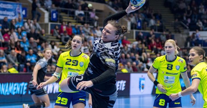 EHF CL: Krim o învinge prima oară pe CSM București