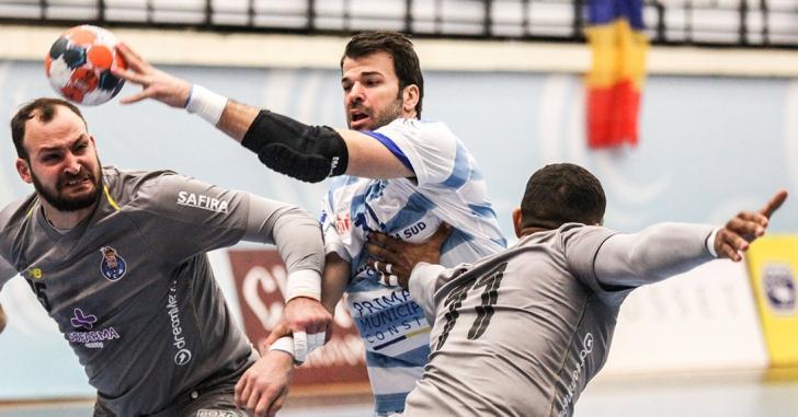 """Cupa EHF: """"Delfinii"""" pierd la Porto"""
