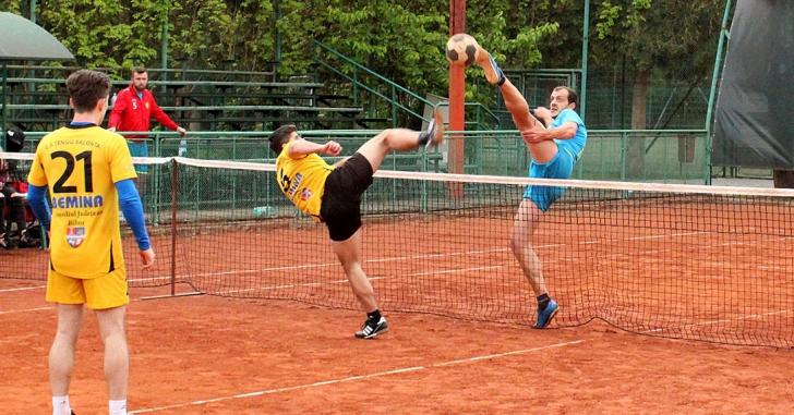 A debutat noul campionat de tenis cu piciorul