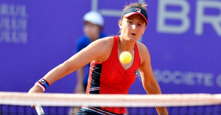 WTA Praga: Begu câștigă trei seturi, dar află mâine dacă va juca semifinala cu Halep