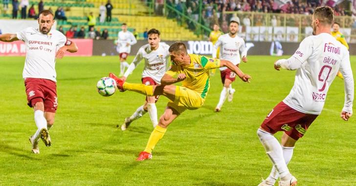 Cupa României: Rapid se califică după loteria penalty-urilor la Mioveni