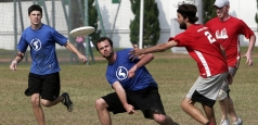 Ultimate Frisbee la Arcul de Triumf