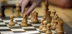 A fost lansată prima carte digitală de șah din România